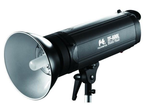 Купить -  Вспышка Falcon TF-400L LCD (400Дж)
