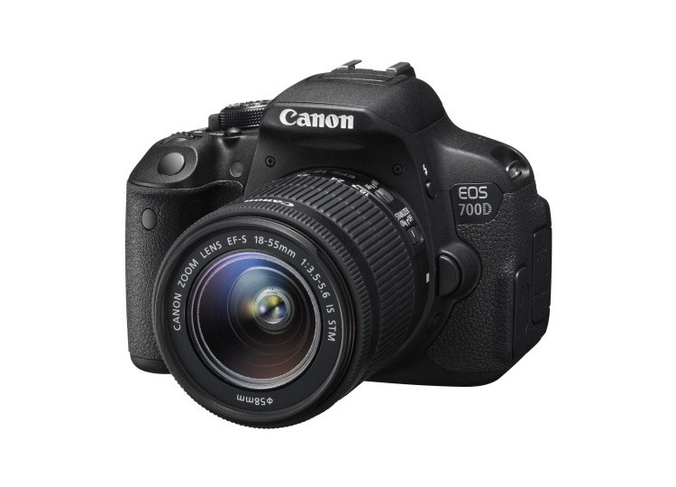 Купить -  Canon EOS 700D + объектив 18-55mm f/3.5-5.6 DC III (Kit) Официальная гарантия!
