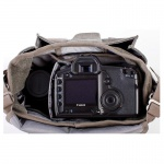 Фото Think Tank Сумка Think Tank Retrospective 5 - Pinestone + Чехол Think Tank Travel Pouch - Small