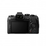 Фото Olympus E-M1 mark II 12-40 Kit black/black (V207061BE000)