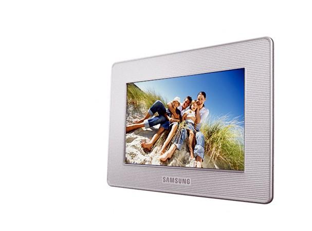 Купить -  Цифровая фоторамка Samsung LP07 SPF-72V