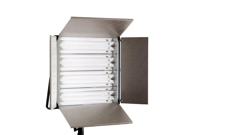 Купить -  Люминесцентный осветитель BOWENS SL855 KIT + BARNDOORS + STD LAMPS (BW-4510)
