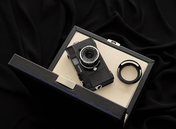 Купить -  Zeiss Ikon + C Biogon T* 2,8/35 ZM kit Black - дальномерная фотокамера в комплекте с объективом