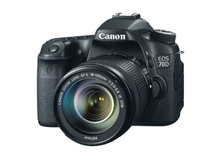Купить -  Canon EOS 70D + объектив 18-135mm f/3.5-5.6 IS STM (Kit) Официальная гарантия!