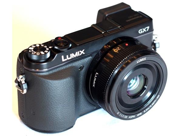Купить -  Panasonic DMC-GX7 Kit 20mm Black (DMC-GX7CEE-K)